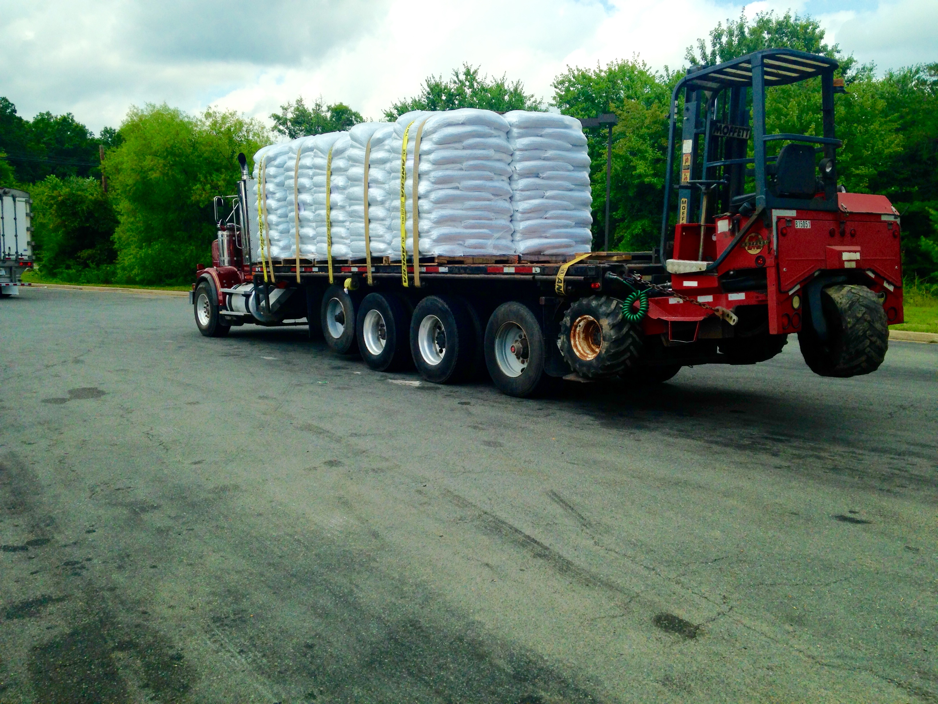 Commercial Mulch Delivery